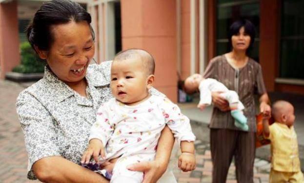 Bé 4 tuổi tử vong vì bà nội cho ăn trứng theo cách nhiều người đang rất thích - Ảnh 1.