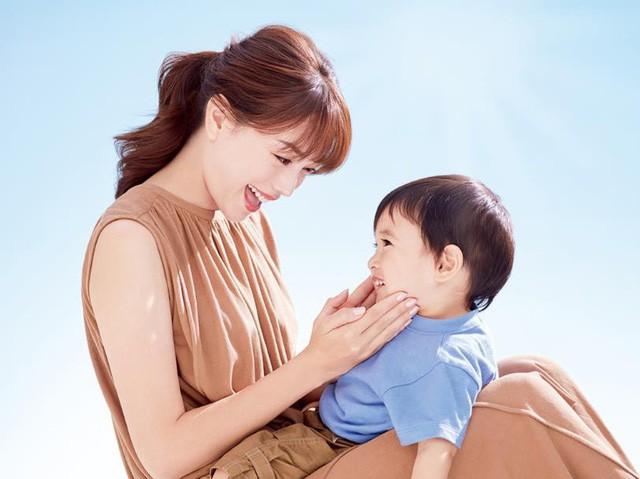 """""""Chống nắng từ thuở còn thơ"""" – Châm ngôn mới của các bà mẹ hiện đại - Ảnh 4."""