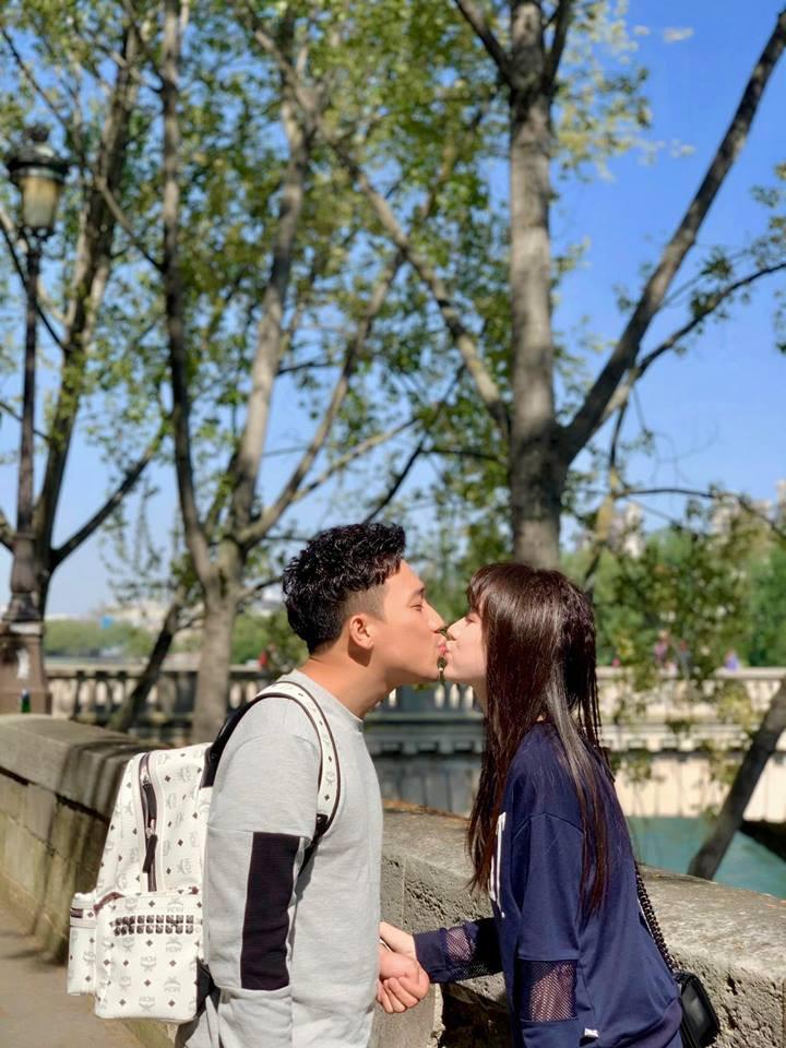 Ngắm trọn bộ ảnh đẹp như phim Hàn của Trấn Thành - Hari Won tại Paris hoa lệ - Ảnh 7.