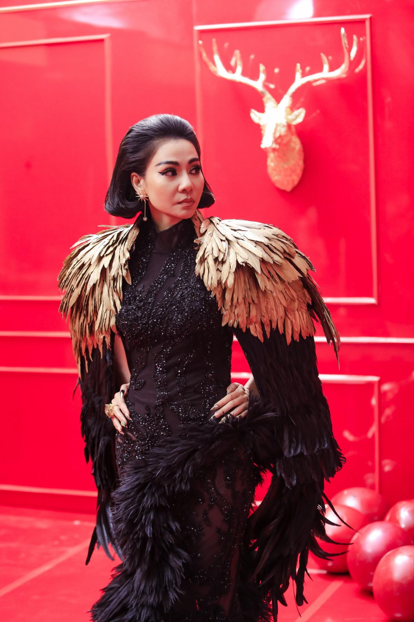 """Lộ hình ảnh sắc sảo uy quyền và bộ váy gây choáng của Thu Minh trong dự án """"kinh khủng nhất từ trước tới nay"""" - Ảnh 3."""