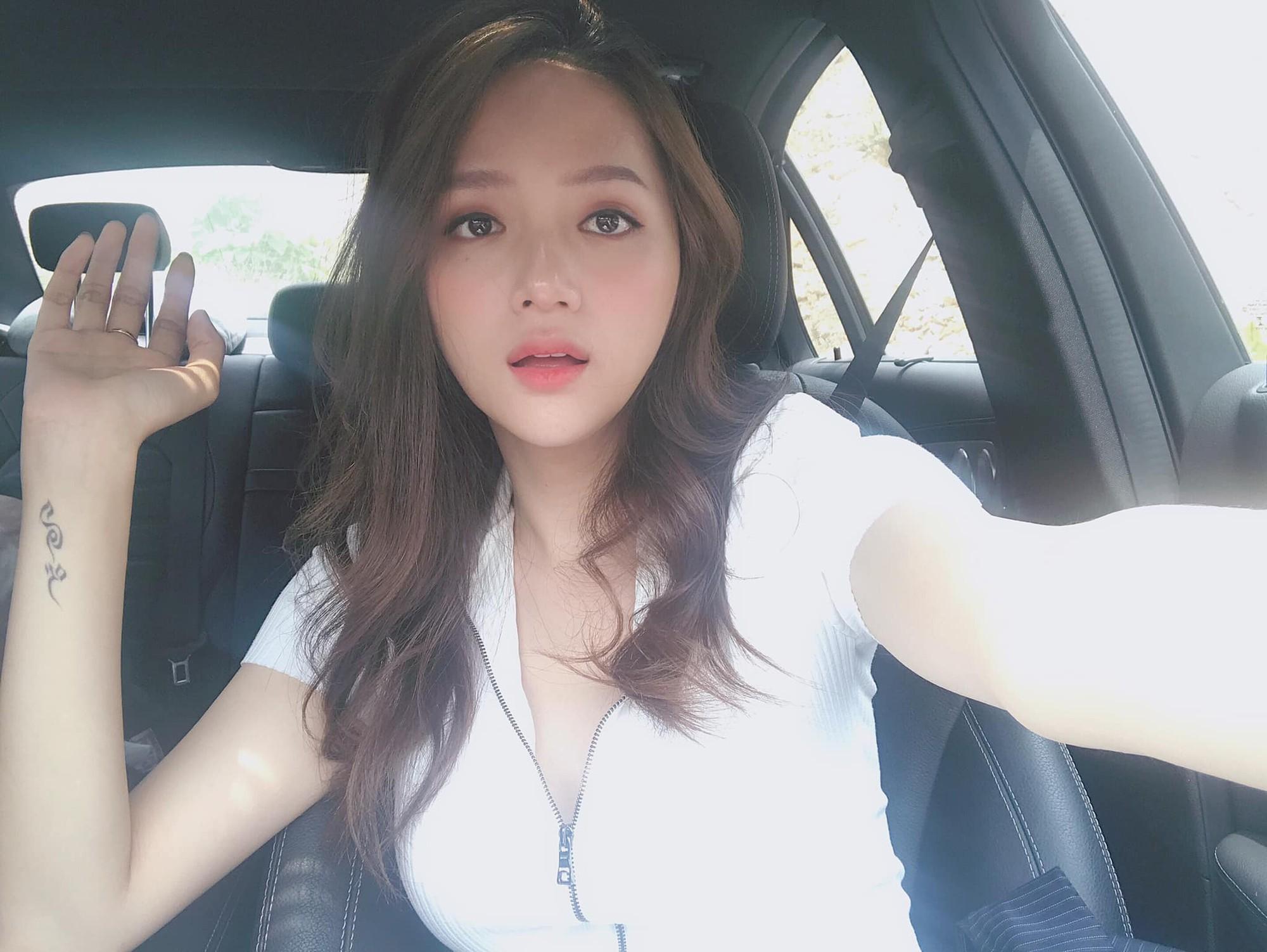 Đâu cần tô trát kĩ, Hương Giang makeup sương sương vẫn ăn đứt gái xinh xứ Hàn - Ảnh 1.