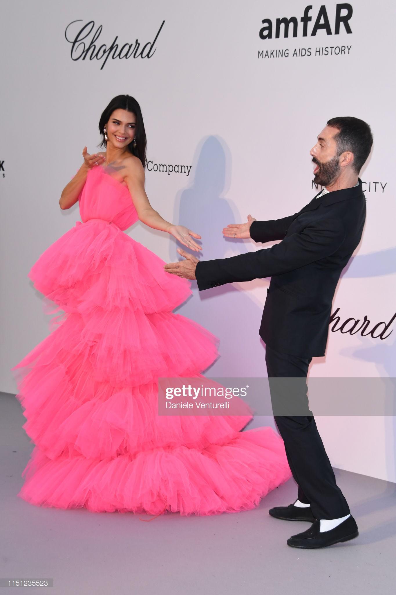 Hút hết mọi ánh nhìn và truyền thông - Mỹ nhân này mới chính xác là tâm điểm chú ý trên tại LHP Cannes 2019  - Ảnh 4.