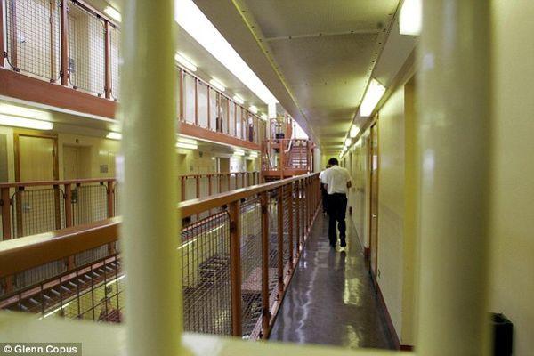 Anh: Tội phạm ấu dâm và kẻ giết người hàng loạt yêu nhau trong tù, ban quản giáo phải chia lìa đôi bạn đề phòng hiểm họa - Ảnh 4.