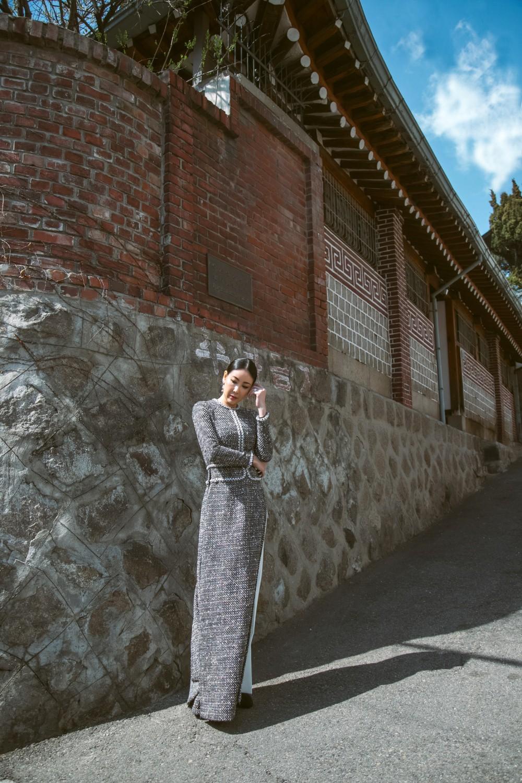 Hoa hậu Hà Kiều Anh diện áo dài khoe dáng giữa phố cổ Hàn Quốc - Ảnh 5.