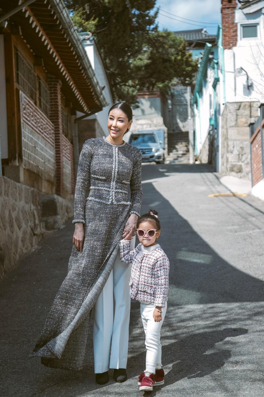 Hoa hậu Hà Kiều Anh diện áo dài khoe dáng giữa phố cổ Hàn Quốc - Ảnh 6.