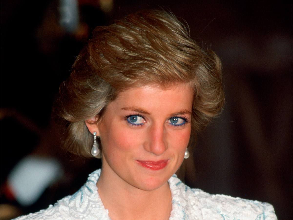 Đằng sau nhan sắc cùng khí chất hơn người của Công nương Diana lại là 5 tips làm đẹp đơn giản, ai cũng học được - Ảnh 5.