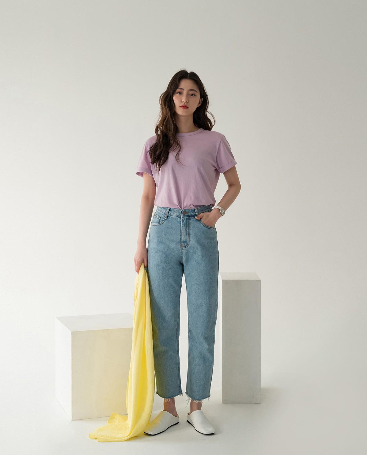Bảo chứng cho vẻ sành điệu là combo áo phông – quần jeans với 15 ý tưởng diện mãi không biết chán này  - Ảnh 15.