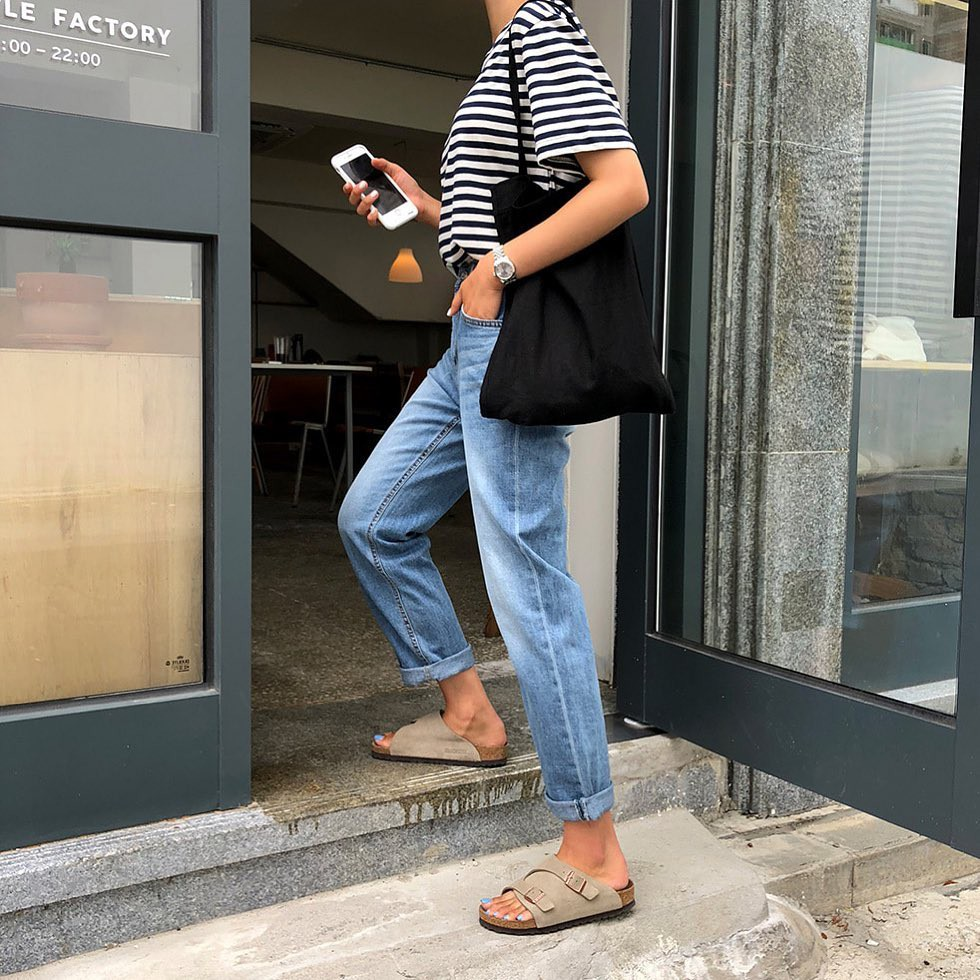 Bảo chứng cho vẻ sành điệu là combo áo phông – quần jeans với 15 ý tưởng diện mãi không biết chán này  - Ảnh 10.