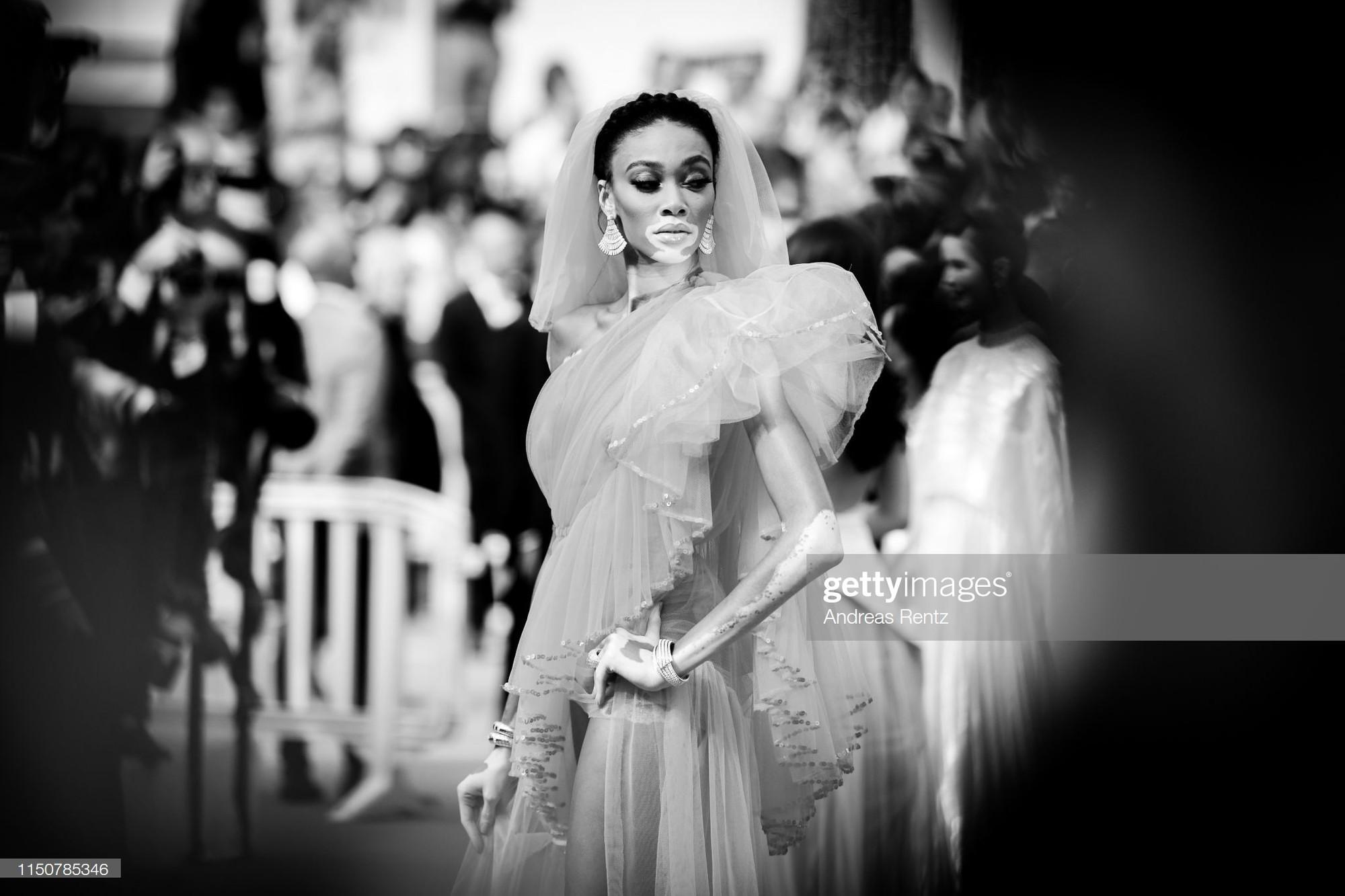 Top khoảnh khắc đắt giá nhất Cannes 2019: Dàn mỹ nhân 9X bất ngờ chiếm đa số, Selena và cặp đôi Brooklyn ấn tượng mạnh - Ảnh 20.