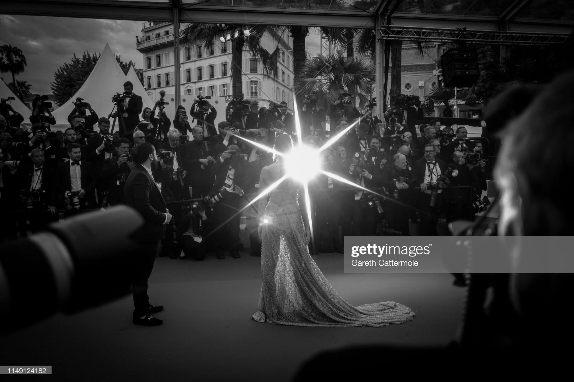Top khoảnh khắc đắt giá nhất Cannes 2019: Dàn mỹ nhân 9X bất ngờ chiếm đa số, Selena và cặp đôi Brooklyn ấn tượng mạnh - Ảnh 22.