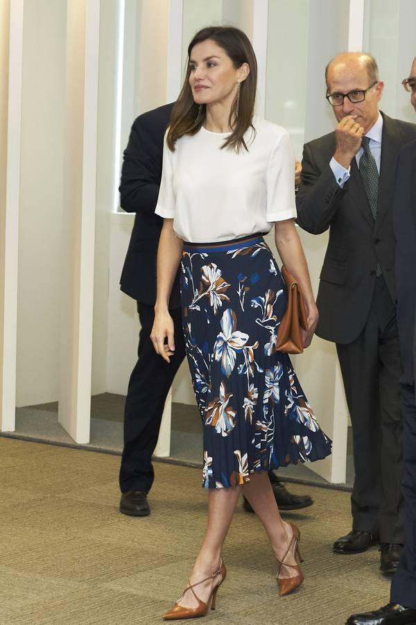3 màu sắc trang phục vừa nhã nhặn lại sang trọng mà rất nhiều thành viên hoàng gia trên thế giới đều ưa chuộng