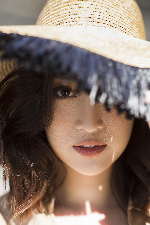 Chị em Hoa hậu Mỹ Linh - Tiểu Vy khiến ai cũng ngoái nhìn khi cùng dạo bước trên đường phố Sydney  - Ảnh 13.