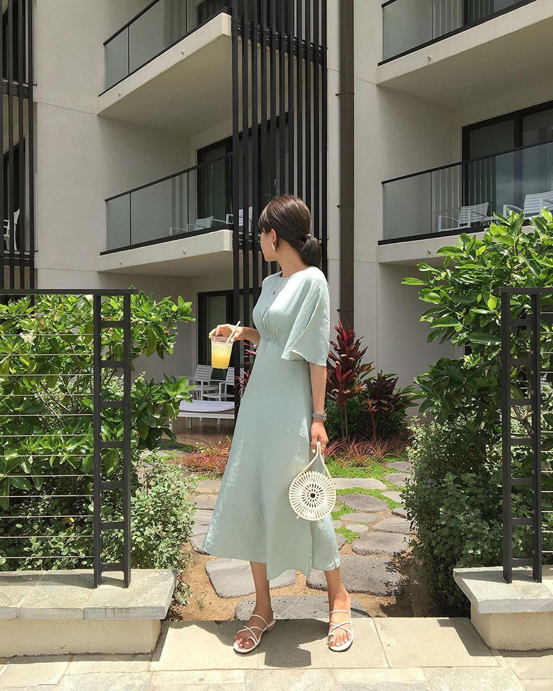 Nô nức diện váy thô mùa hè cho mát, muốn mặc đẹp hãy tham khảo 15 bộ đồ từ street style Châu Á này - Ảnh 3.