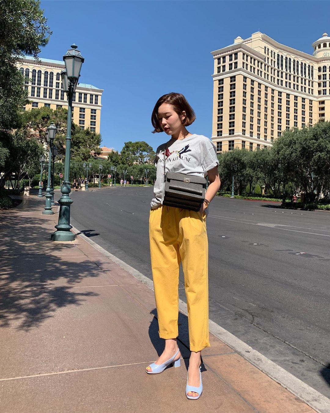 Nô nức diện váy thô mùa hè cho mát, muốn mặc đẹp hãy tham khảo 15 bộ đồ từ street style Châu Á này - Ảnh 6.