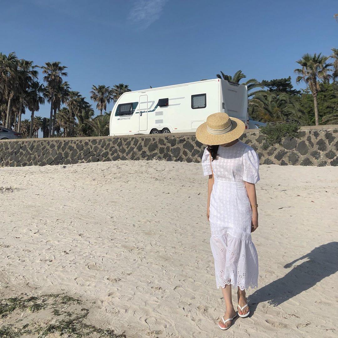 Nô nức diện váy thô mùa hè cho mát, muốn mặc đẹp hãy tham khảo 15 bộ đồ từ street style Châu Á này - Ảnh 14.