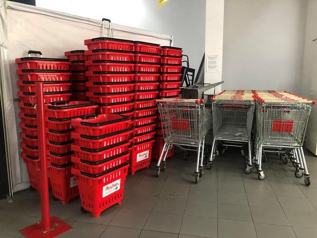 Hình ảnh siêu thị Auchan sau nhiều ngày tháo khoán rút khỏi Việt Nam - Ảnh 16.