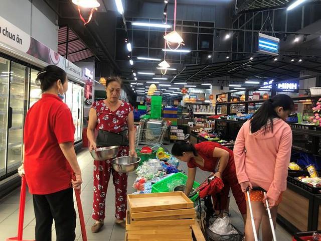 Hình ảnh siêu thị Auchan sau nhiều ngày tháo khoán rút khỏi Việt Nam - Ảnh 5.