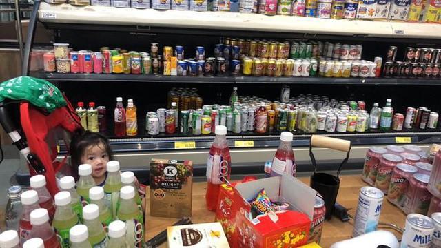 Hình ảnh siêu thị Auchan sau nhiều ngày tháo khoán rút khỏi Việt Nam - Ảnh 7.