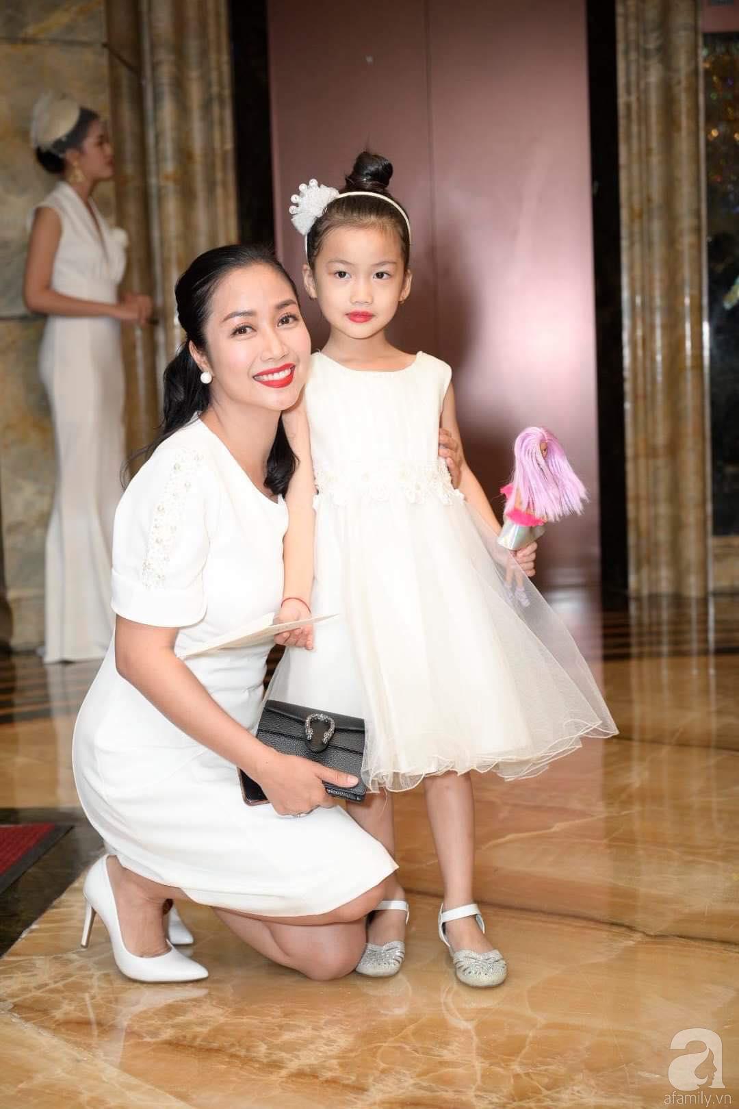 Trấn Thành - Hari Won, Ninh Dương Lan Ngọc cùng loạt sao Việt đến sự đám cưới đạo diễn Cua lại vợ bầu - Ảnh 8.