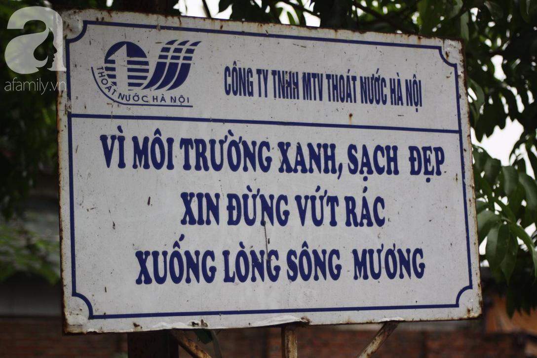 Hà Nội: Cận cảnh núi rác khổng lồ bốc mùi hôi thối nồng nặc dưới chân cầu Long Biên - Ảnh 9.