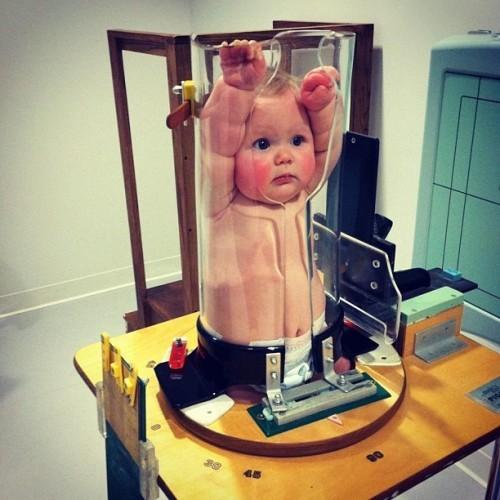 Hình ảnh gây bão mạng về sự thật khi trẻ con được đi chụp X-quang khiến dân tình cười không nhặt được miệng - Ảnh 1.