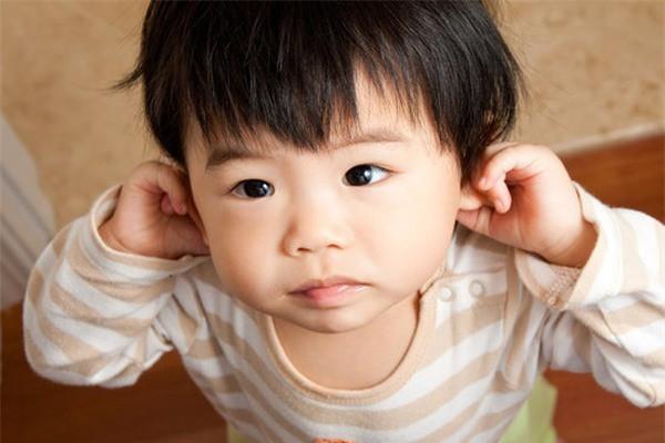 Trẻ có biểu hiện này chứng tỏ hiệu quả giáo dục của bố mẹ, cần tiếp tục phát huy để con lớn lên thành người tài giỏi - Ảnh 2.