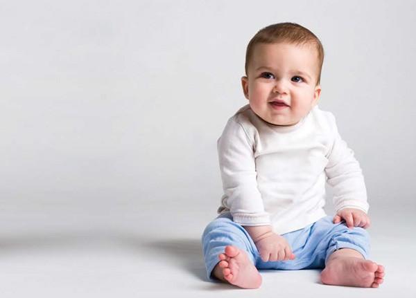 Hiểm họa không ngờ từ dáng ngồi chữ W hay gặp ở nhiều trẻ nhỏ, cha mẹ rất cần lưu tâm đến - Ảnh 3.