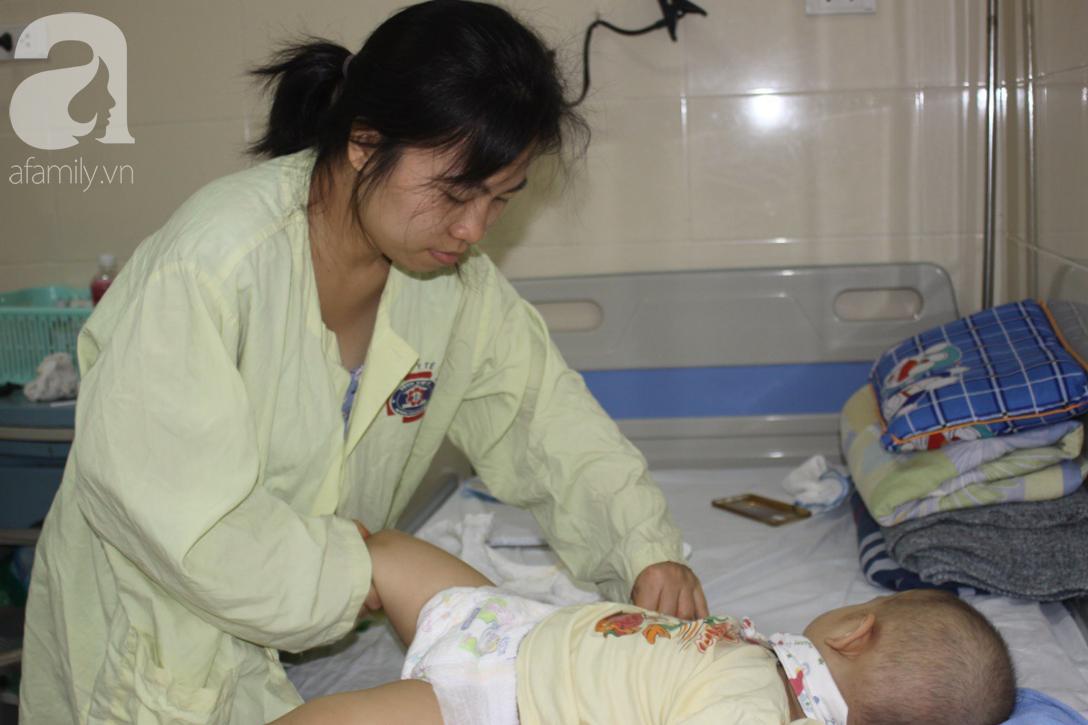 Bố bỏ rơi, người mẹ ôm con trai 18 tháng tuổi bị ung thư võng mạc đi tìm ánh sáng - Ảnh 9.