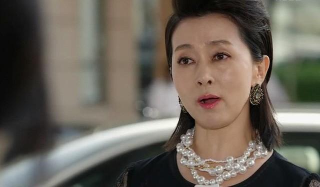 Chồng U50 còn ngoại tình với crush từ hồi cấp 3, vợ già không thèm ly hôn mà làm thế này đủ khiến chồng cay đắng cả đời - Ảnh 1.