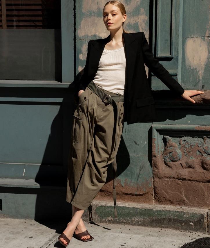"""Điểm danh 3 kiểu trang phục được ưa chuộng nhất dành cho các """"nàng công sở"""" trong hè này - Ảnh 3."""