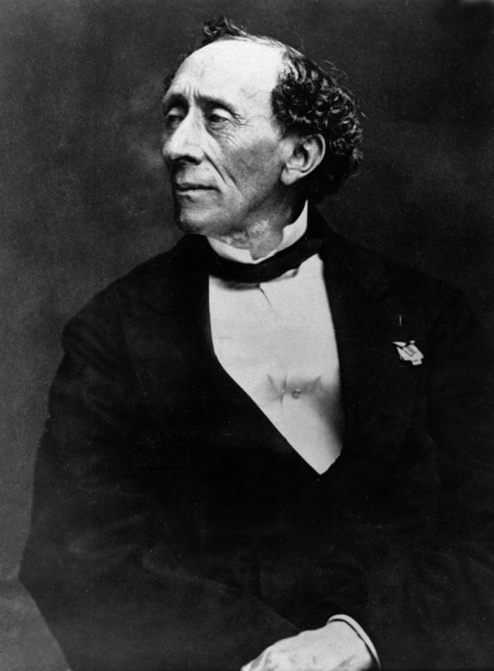 Sống nghèo khó ở nơi toàn quý tộc, cha đẻ của Andersen đã làm gì giúp ông trở thành nhà văn nổi tiếng? - Ảnh 1.