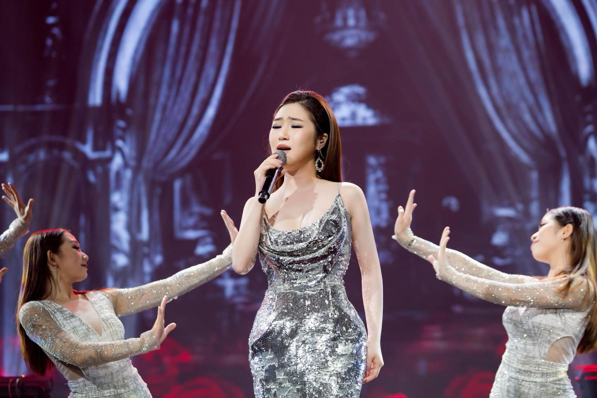 Hương Tràm nhận show hát ở Mỹ nhưng chiếc váy tuyệt đẹp cô mặc lại khiến người nhiều bất ngờ  - Ảnh 6.
