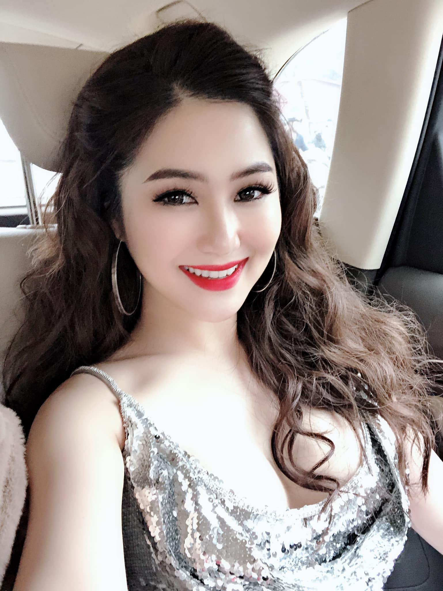 Hương Tràm nhận show hát ở Mỹ nhưng chiếc váy tuyệt đẹp cô mặc lại khiến người nhiều bất ngờ  - Ảnh 10.