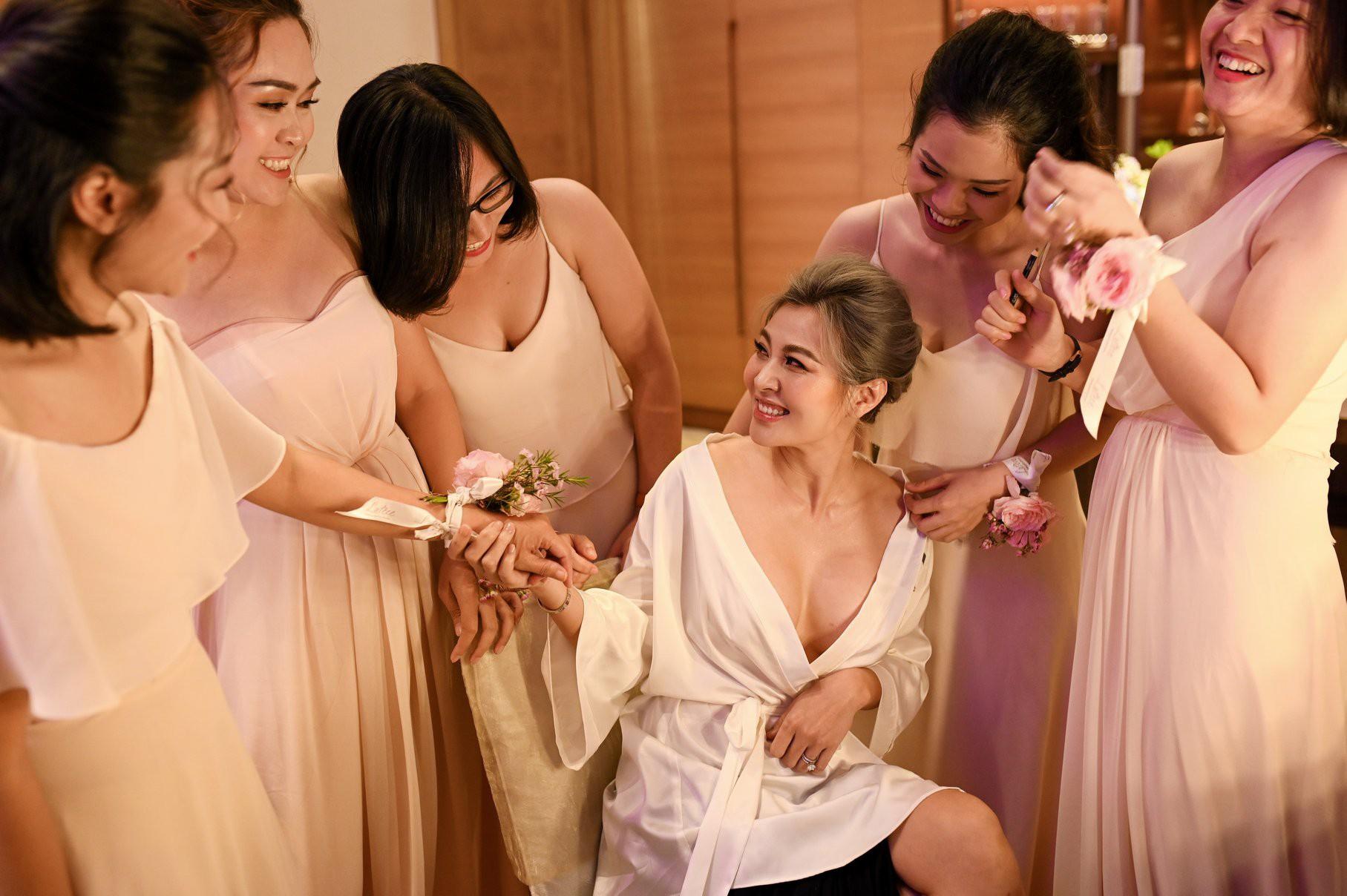 """Đám cưới có 1-0-2: Chú rể """"dám"""" thừa nhận có người thứ 3, nguyên dàn """"nhà chồng cũ"""" tới dự - Ảnh 4."""