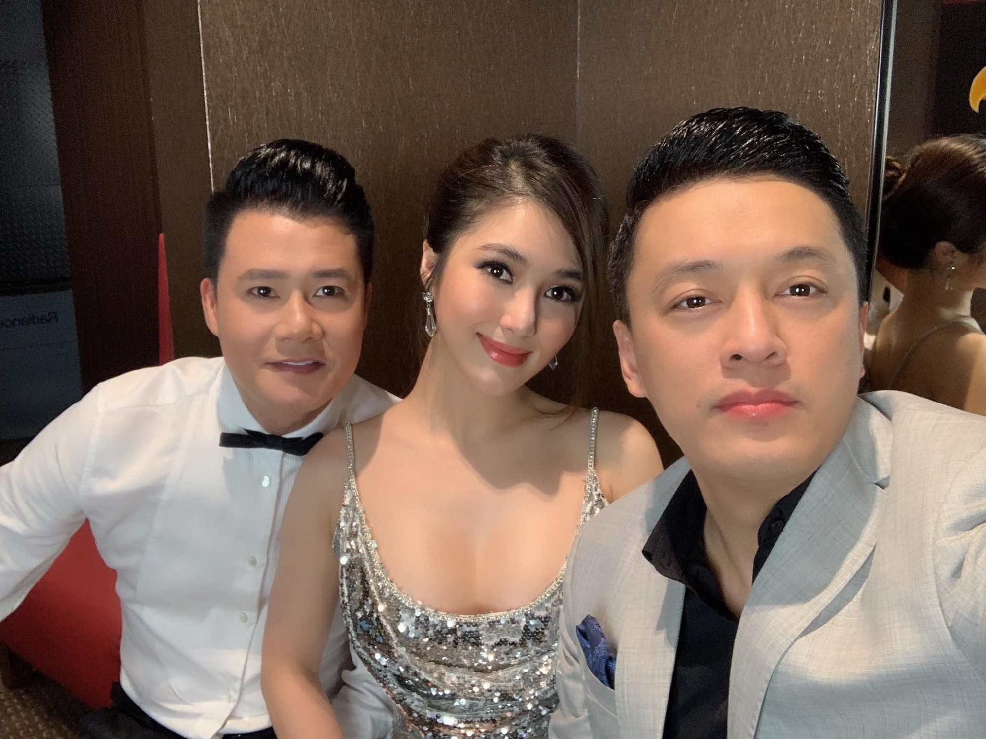 Hương Tràm nhận show hát ở Mỹ nhưng chiếc váy tuyệt đẹp cô mặc lại khiến người nhiều bất ngờ  - Ảnh 5.