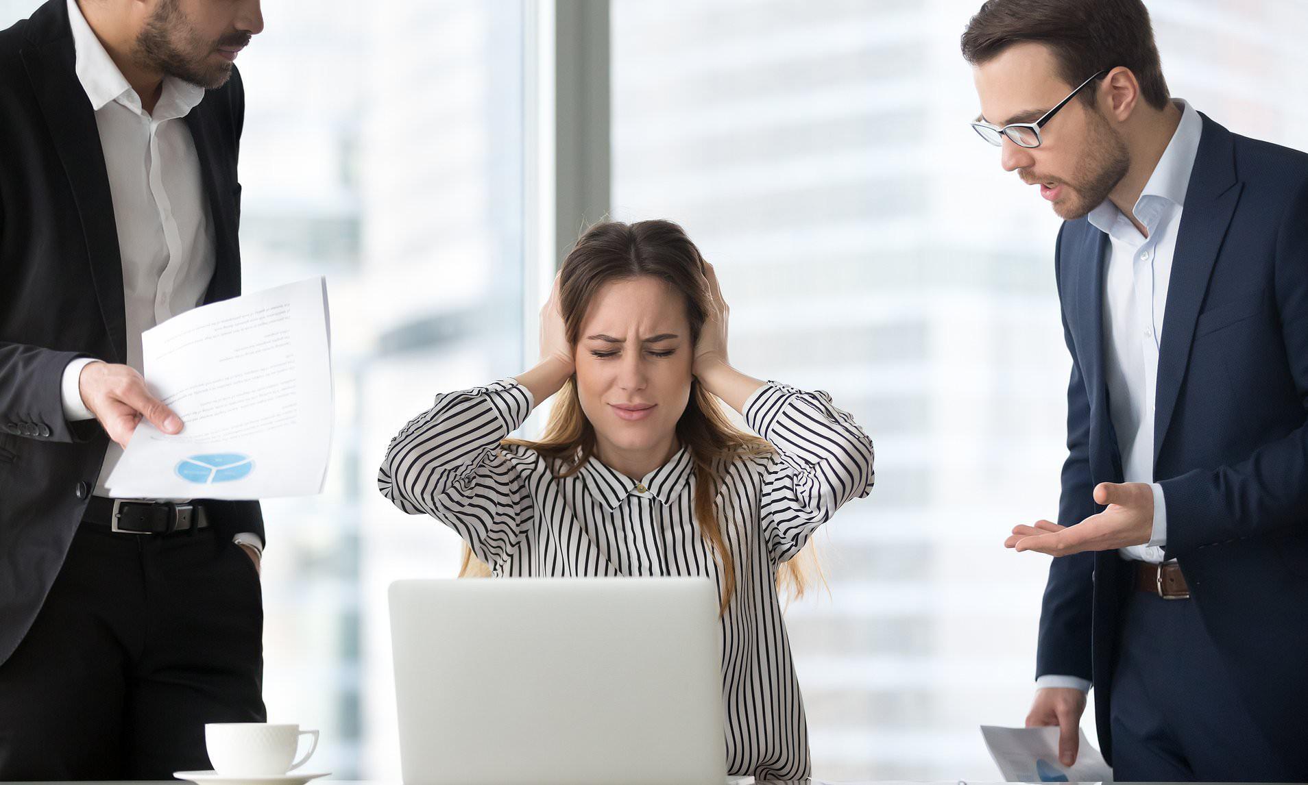 Bạn từng nghĩ đến việc lấy mạng sếp của mình? Đừng xấu hổ vì đó là hiện tượng tâm lý hết sức bình thường - Ảnh 1.