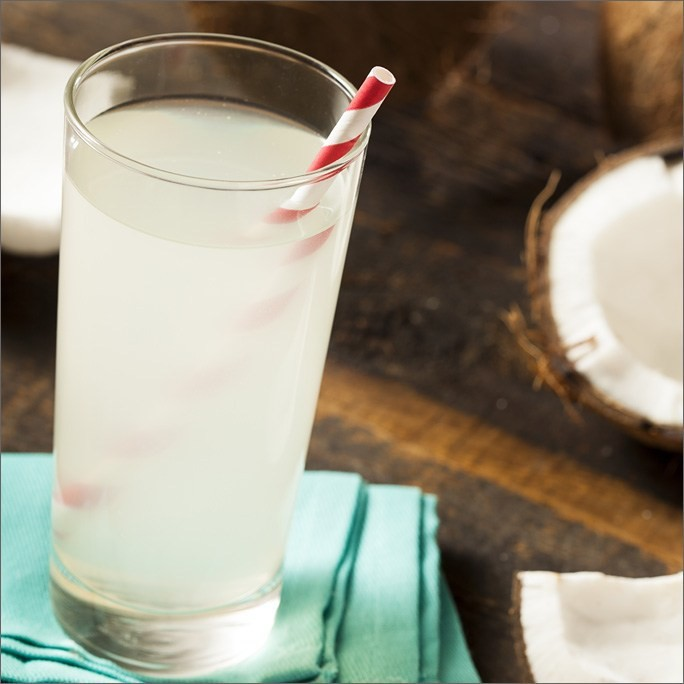 Chuyên gia đưa ra lưu ý để uống nước dừa giúp bạn vừa khoẻ vừa đẹp vào mùa hè - Ảnh 4.