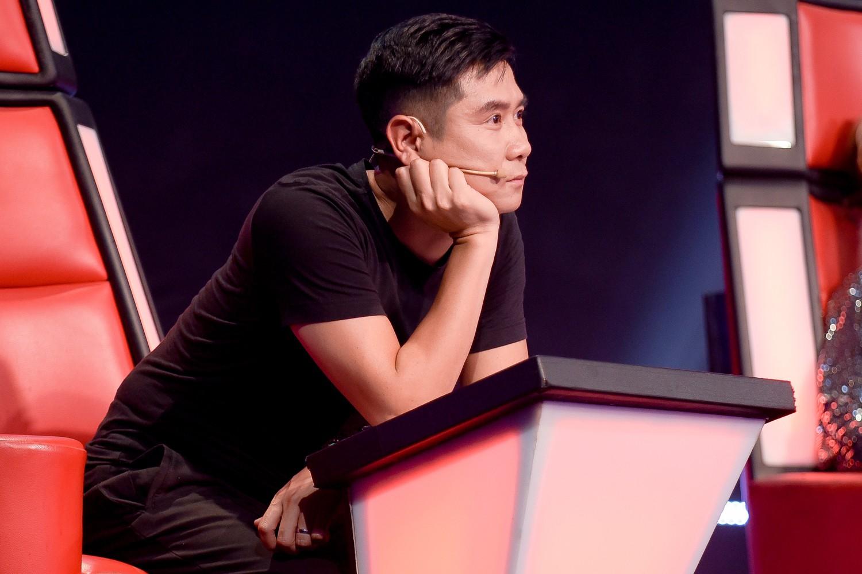 """The Voice: Hồ Hoài Anh ăn hàng tá """"gạch đá"""" vì nghi án thiên vị cô gái xinh đẹp, có chút tiếng tăm này  - Ảnh 2."""
