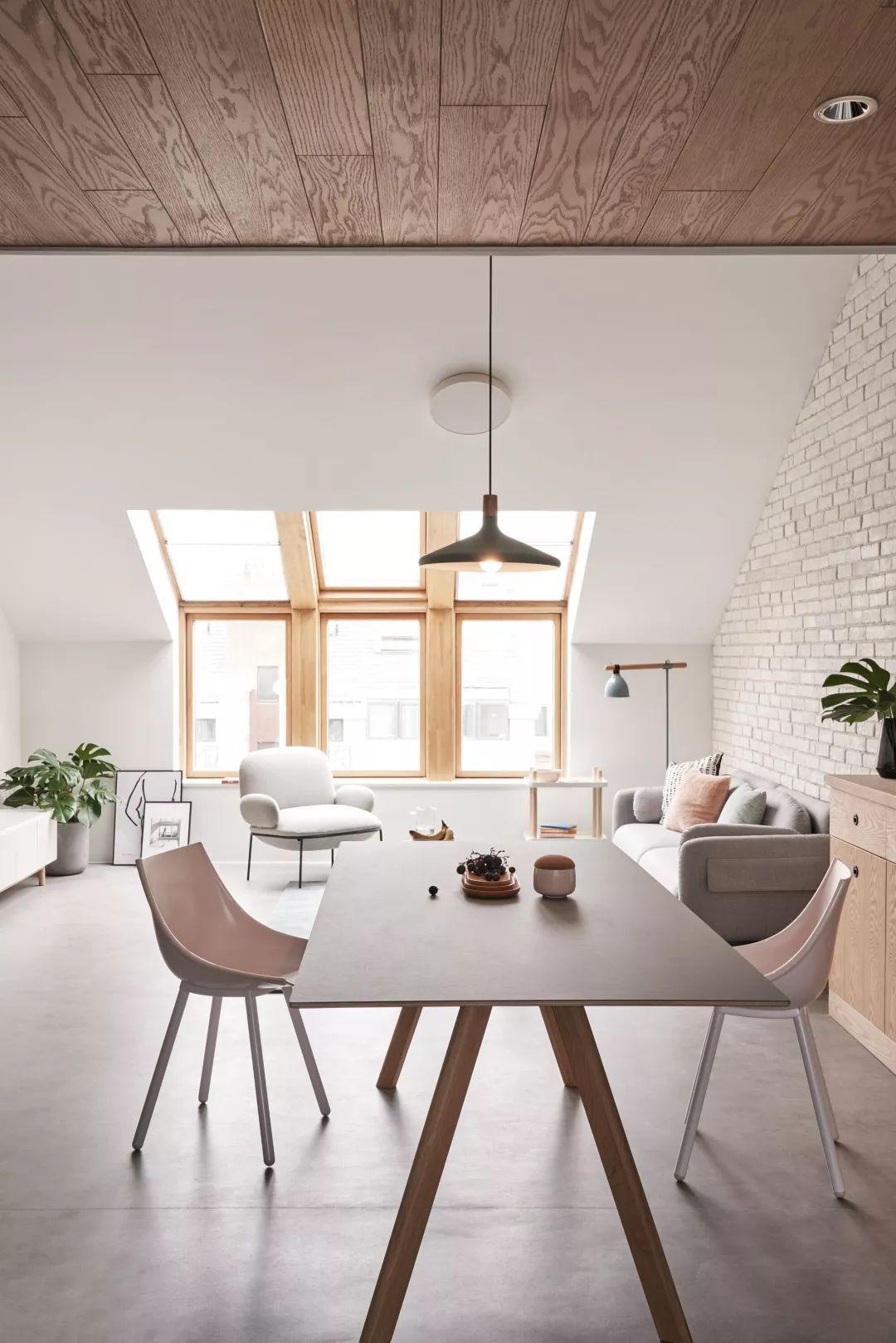 Cặp vợ chồng trẻ nới rộng căn hộ áp mái 85m2 thành không gian 115m2 sau cải tạo ai nhìn cũng mê - Ảnh 7.