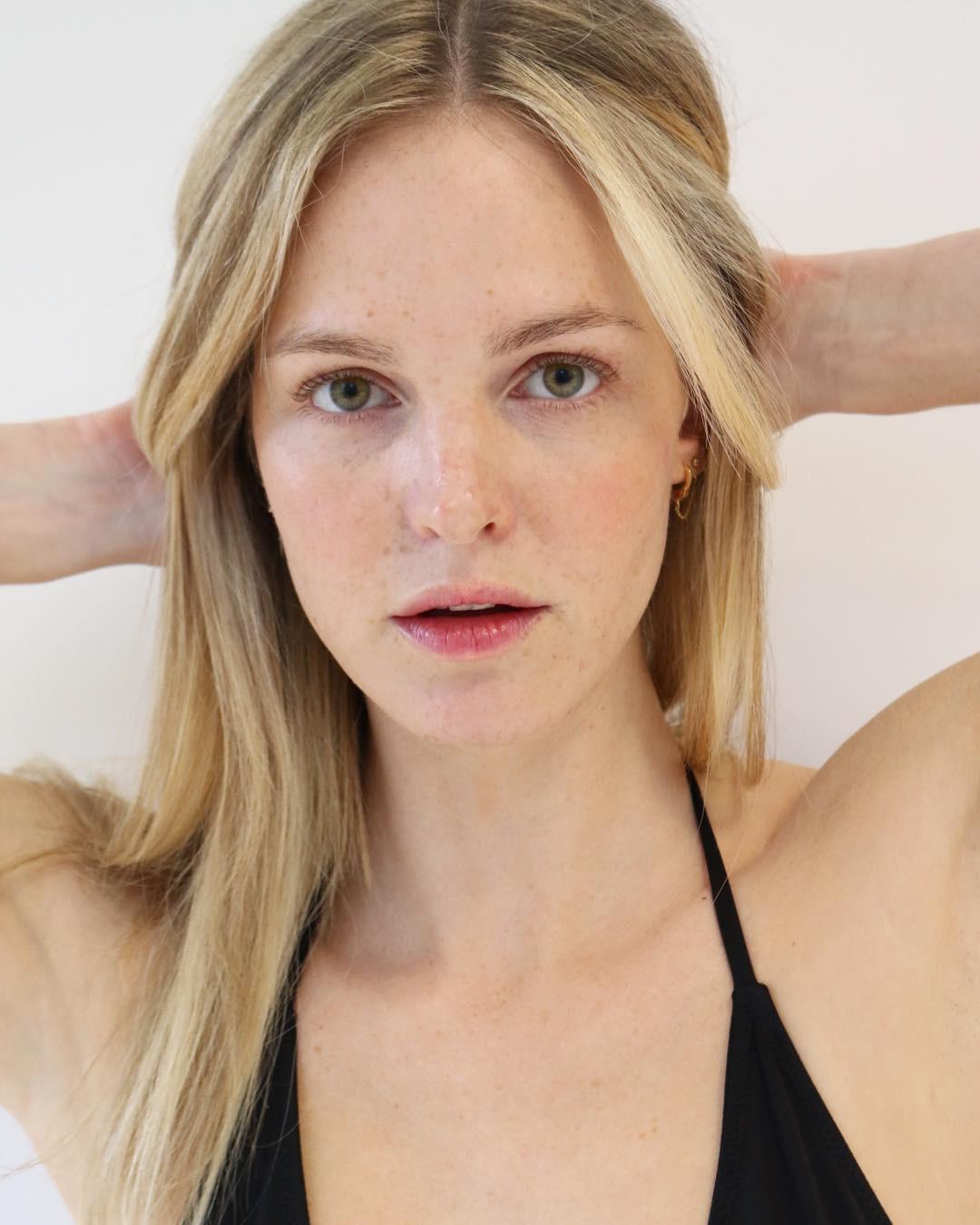 """Đừng """"ngó lơ"""" 6 tips chăm da sau của các người mẫu bởi rất có thể, bạn sẽ tìm thấy chìa khóa nâng cấp nhan sắc - Ảnh 4."""