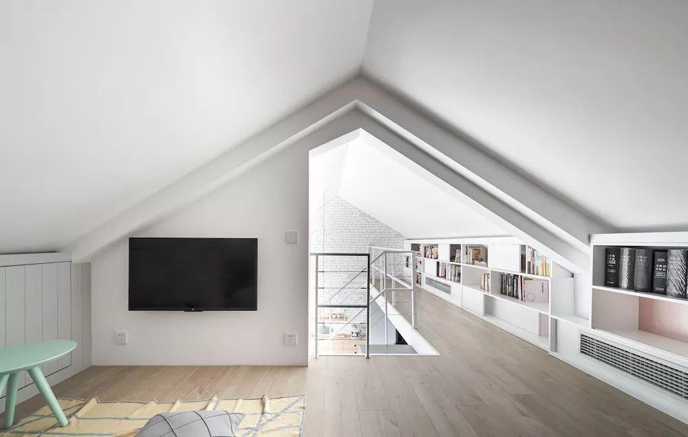 Cặp vợ chồng trẻ nới rộng căn hộ áp mái 85m2 thành không gian 115m2 sau cải tạo ai nhìn cũng mê - Ảnh 14.