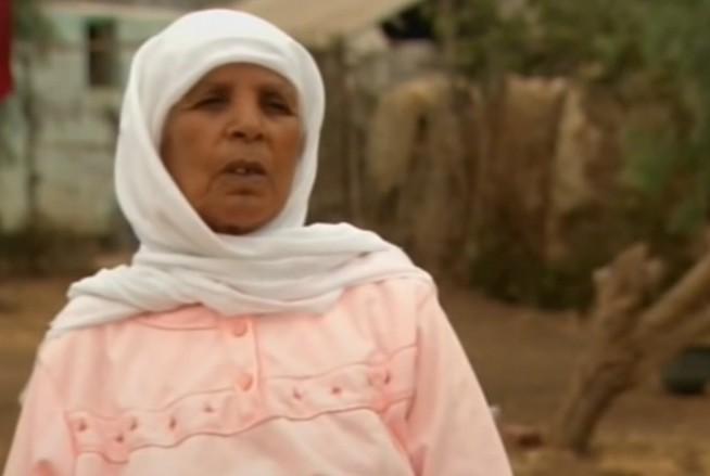 Mang bầu suốt 46 năm không đẻ vì... sợ, lúc mổ lấy thai ra bác sĩ choáng váng vì sợ hãi - Ảnh 1.