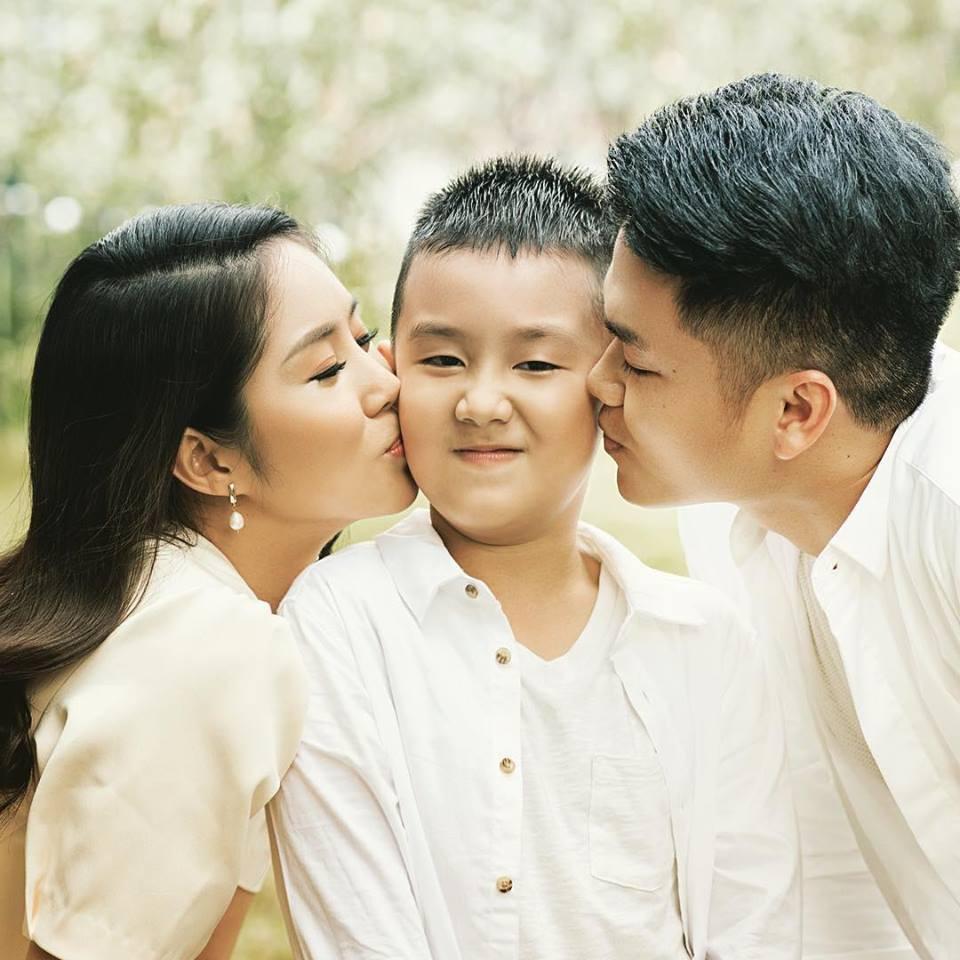 """Những chuyện tình """"chị - em"""" đáng ngưỡng mộ nhất showbiz Việt: Khi tình trẻ sẵn sàng làm chỗ dựa cho người phụ nữ trải qua nhiều giông bão - Ảnh 10."""