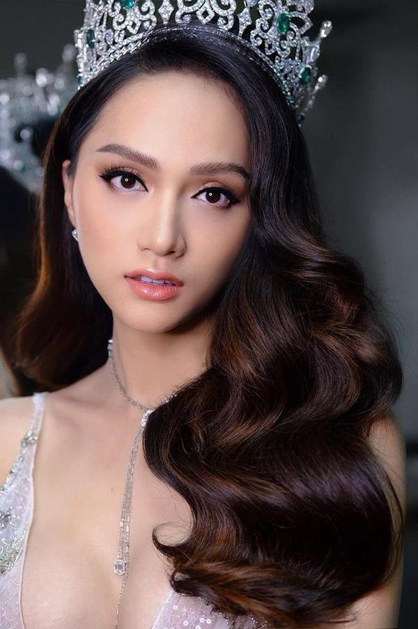 Hương Giang là HLV The Voice Kids, dân mạng xôn xao: Hoa hậu rất đẹp nhưng mà hát thì...  - Ảnh 1.