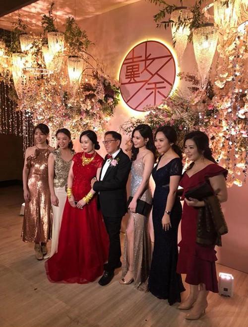 Đám cưới rình rang của nữ ca sĩ Malaysia đình đám một thời, cô dâu bụng to vượt mặt nhưng tuổi tác của chú rể mới gây ngỡ ngàng - Ảnh 4.