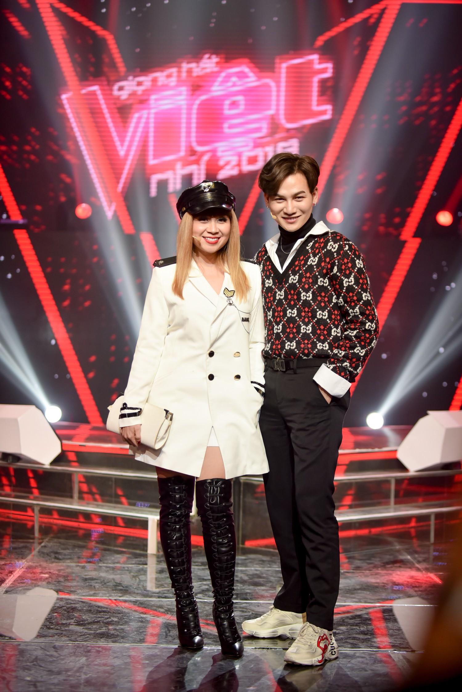 Vượt bão ồn ào ly hôn, Phạm Quỳnh Anh làm HLV The Voice Kids, ngồi ghế nóng cùng Dương Khắc Linh  - Ảnh 4.