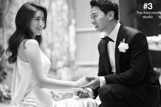 """Tài tử """"Sắc đẹp ngàn cân"""" khoe ảnh cưới mà dân tình chỉ dán mắt vào cô dâu đẹp như Hoa hậu, còn na ná Kim Tae Hee - Ảnh 4."""