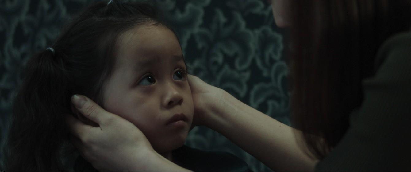 """""""Ngọc nữ"""" Phương Anh Đào bắt tay Đan Trường trở lại với phim kinh dị về cha đầy ma mị - Ảnh 5."""