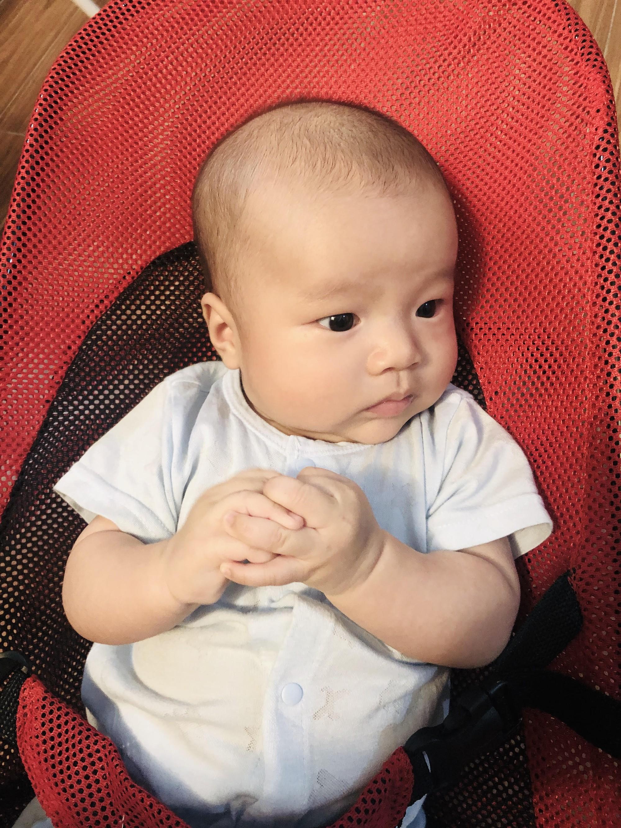 Thiết lập giờ sinh hoạt, mẹ Hà Nội luyện ngủ cho con êm ru từ khi hơn 2 tháng tuổi - Ảnh 3.