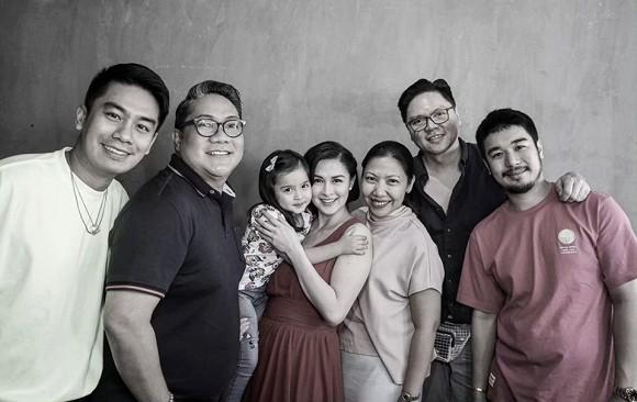 """""""Mỹ nhân đẹp nhất Philippines"""" Marian Rivera khoe ảnh ngày đầu đi làm sau khi sinh, nhưng chi tiết đặc biệt trong ảnh khiến người mẹ nào cũng đồng cảm  - Ảnh 2."""